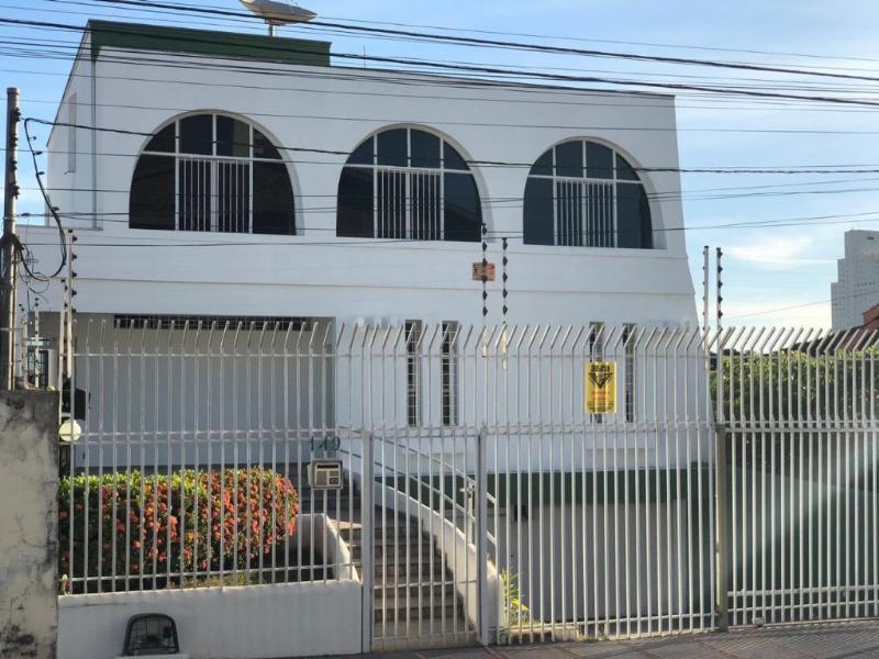 Casa  com 5 quartos sendo 2 Suítes no Jardim Cuiabá, Cuiabá  - MT
