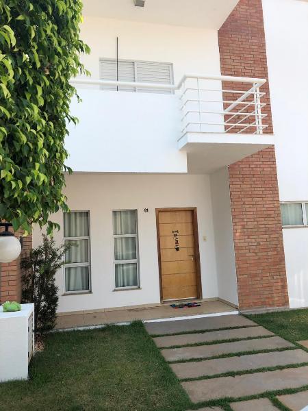 Casa Cond. Fechado  com 4 quartos sendo 1 Suíte no Jd. Monte Libano, Cuiabá  - MT