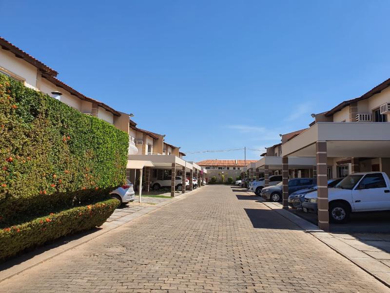 Casa Cond. Fechado  com 3 quartos sendo 2 Suítes no Flamboyant, Cuiabá  - MT