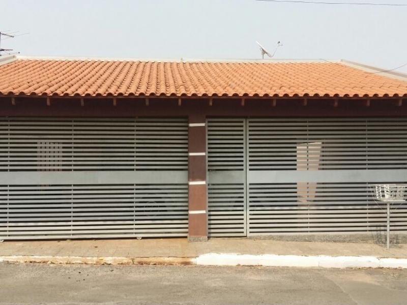 Casa  com 4 quartos sendo 1 Suíte no Jardim Imperial, Cuiabá  - MT