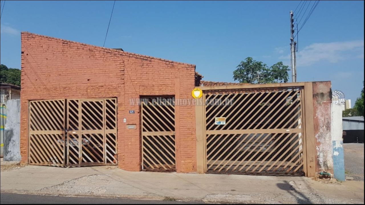 Casa  com 3 quartos sendo 2 Suítes no Centro-Sul, Cuiabá  - MT